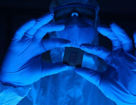 Investigatore privato per bonifiche cellulari per rilevare i dispositivi elettronici abusivi