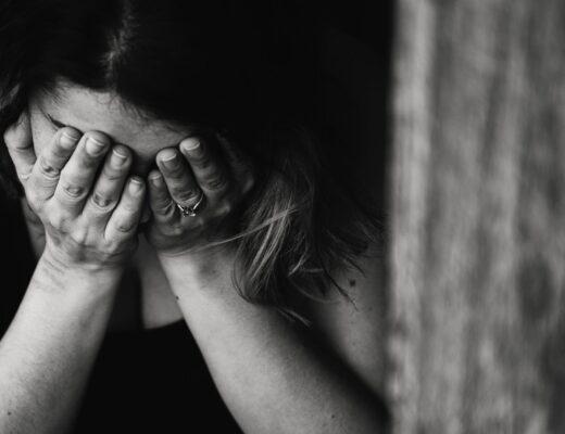 Vittima di stalking, come difendersi e far cessare gli atti persecutori